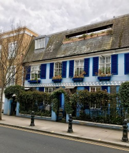 Notting Hill blue building with flowers