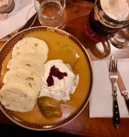 beef sirloin in cream sauce with bread dumplings